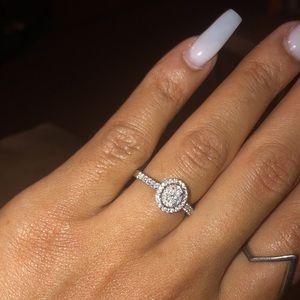 10 karat White Gold Engagement Ring